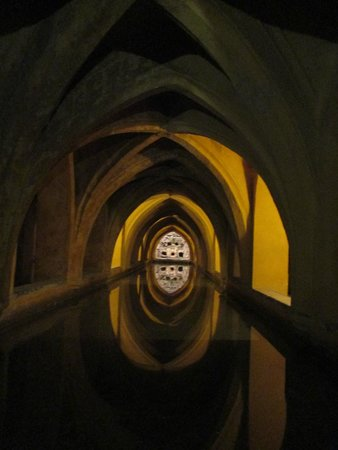 BAGNI ARABI SOTTERRANEI - Picture of Real Alcazar, Seville ...