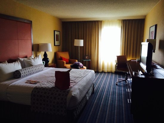 Crowne Plaza Hotel Fairfield: room