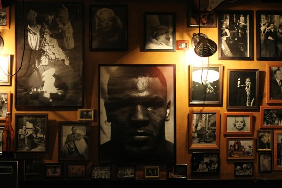 Bohemia Jazz Cafe: Loved the variety of photos used here