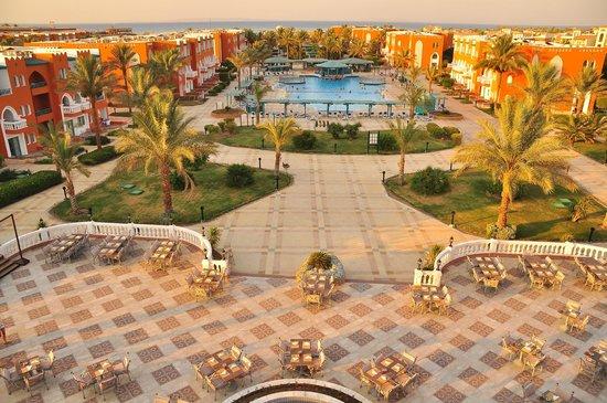 Sunrise Select Garden Beach Resort & Spa: Over view
