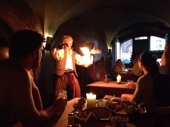 Tavern U Krale Brabantskeho: Entertaining fire show!