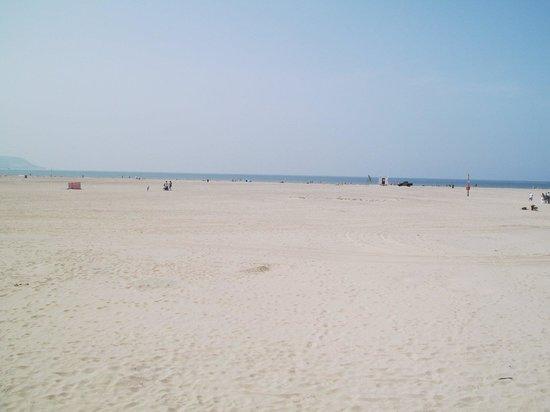 Barmouth Beach: A sandy beach