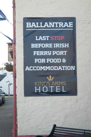 Kings Arms Hotel: Sign in the parking lot