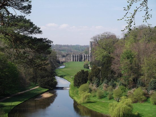 Fountains Abbey and Studley Royal Water Garden: A real view