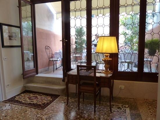Hotel Casa Verardo - Residenza D'Epoca: terrasse vue d un autre angle