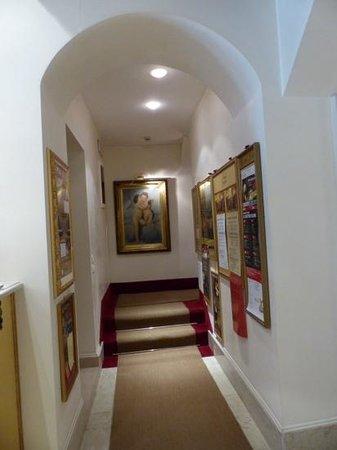 Hotel Casa Verardo - Residenza D'Epoca: hall de l escalier