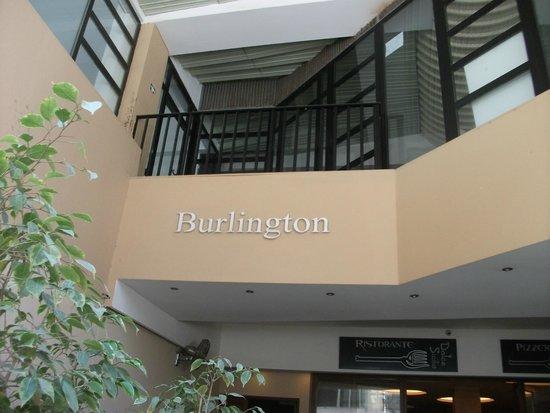 Burlington Apartments: Prima vista non male...dopo può solo peggiorare!!!!