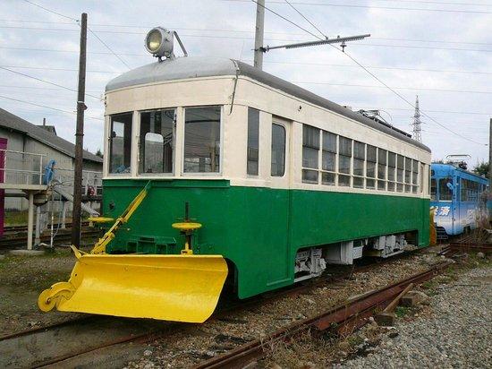 Manyosen: 最後に生き残った一両、元富山地方鉄道デ5022、かつて射水線・笹津線で活躍した車両
