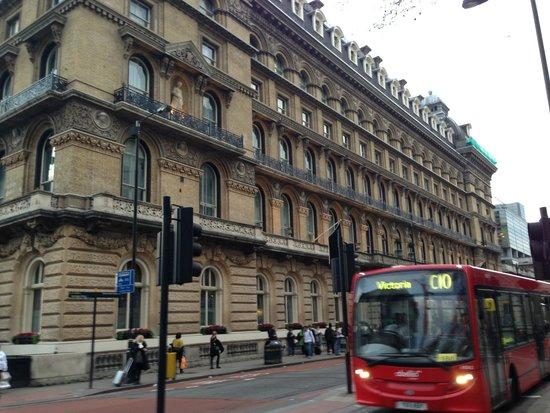 The Grosvenor Hotel: Outside