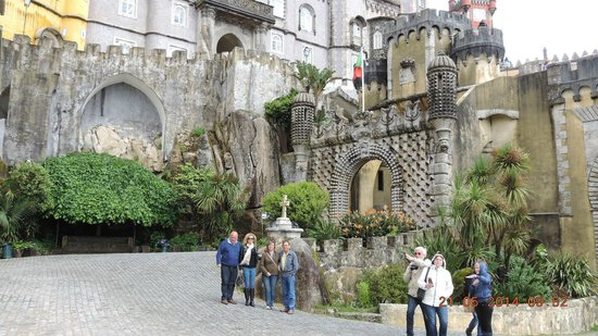 Park and National Palace of Pena: Simplesmente, fantástico; um dos palácios mais bonitos da Europa.