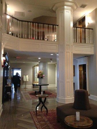 The Lancaster Hotel: Ingresso