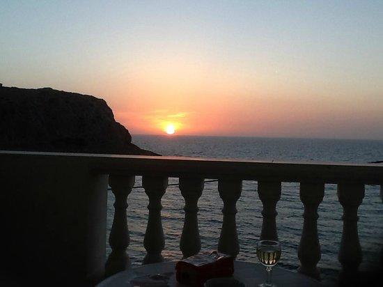 Athena Pallace Hotel: iedere avond zonsondergang vanaf balkon