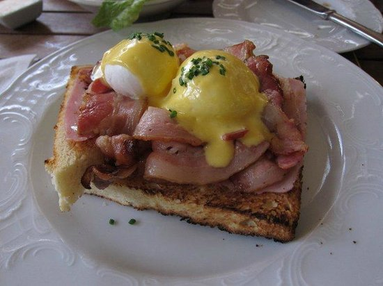 The egg benedict I had a few years ago, nice and round.