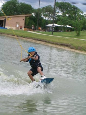 Hydrous Wakeboard Park: 9-yr-old on beginner pond