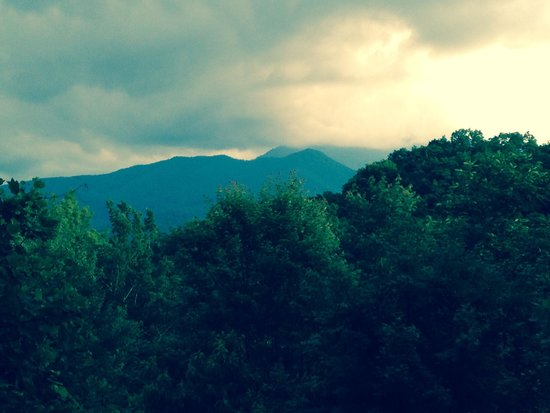 Honeymoon Hills Cabin Rentals: Our view from our private back deck of the Enchanted Cabin