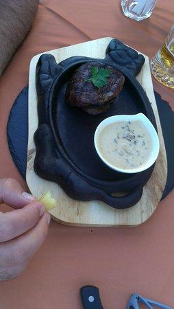 Big Reds Steakhouse : Grilled fillet steak 8 oz