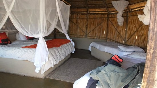 Umlani Bushcamp: The rondaval