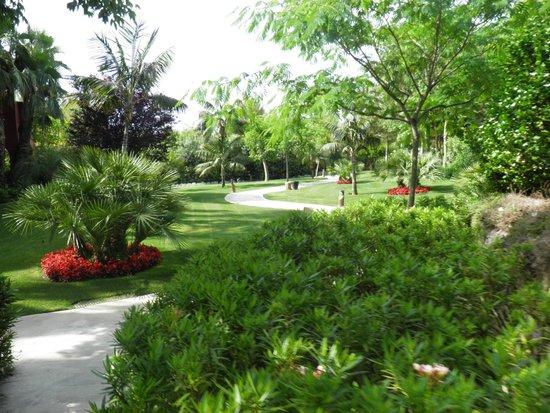 Barcelo Asia Gardens Hotel & Thai Spa: Gardens