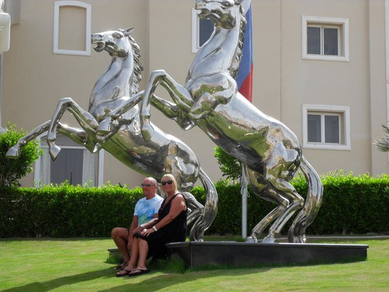 Premier Le Reve Hotel & Spa (Adults Only): silver stallions