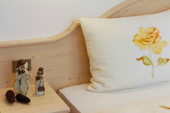 Alpin Apartments Colfosco: Bedroom apartment type -E- / -F-