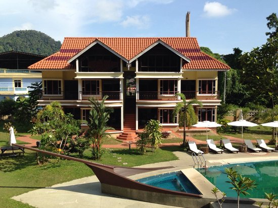 Anjungan Beach Resort : View from room