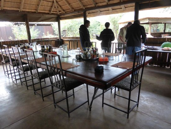 Mosetlha Bush Camp & Eco Lodge: very clean open air dining beautiful