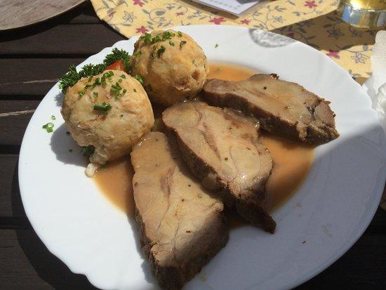 Gasthaus Restaurant Buzihütte: Schweinebraten
