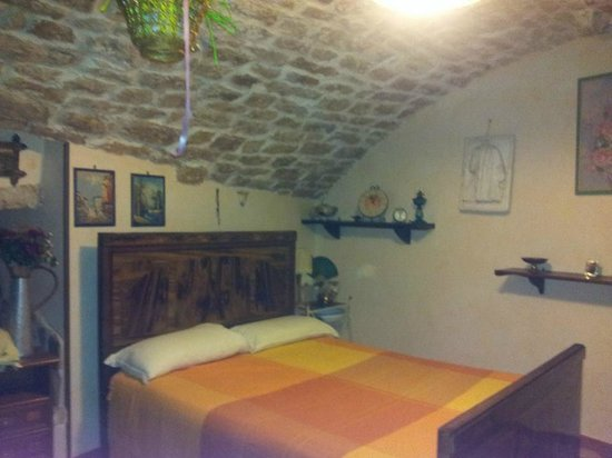 L'Antico Rifugio: Кровать