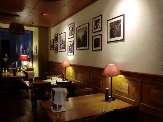 Cafe de la Poste : Dinning room-Cafe