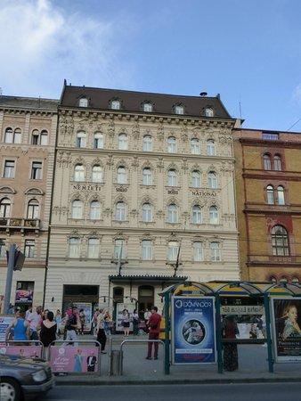 Hotel Nemzeti Budapest - MGallery by Sofitel : Facade of the hotel