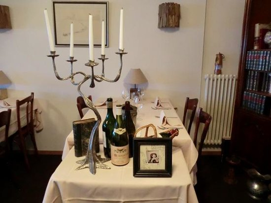 Cafe de la Poste : Dinning room on first floor
