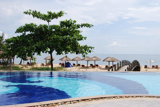 Long Beach Resort Phu Quoc: Swimming pool
