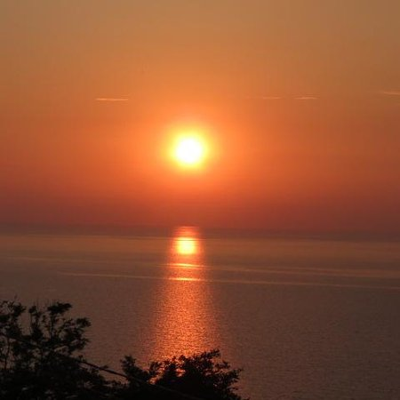 Salina Resort B&B: il tramonto dalla terrazza dlla camera