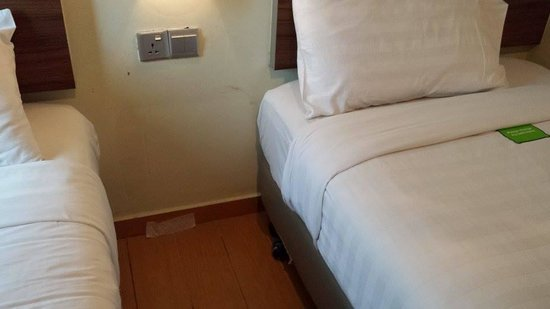 Tune Hotel Danga Bay : cleanliness needs improvement