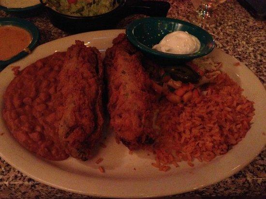 Chuy's Restaurant: chile rellenos