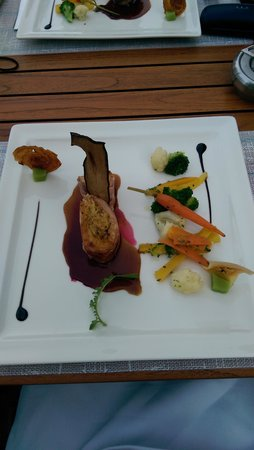 Restaurant Taverne - Hotel Interlaken: chicken roulade