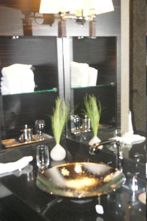 Hyatt Regency Düsseldorf: salle de bains