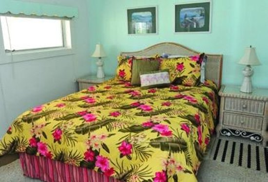 Indian River Lagoon Waterfront Cottages: Bedroom