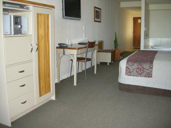 Pebble Beach Motor Inn : Room 02