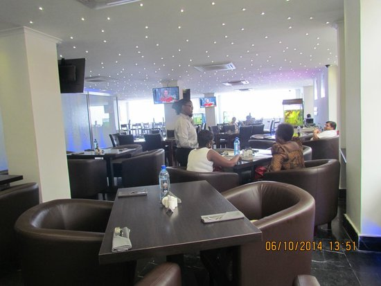 Tsavorite Cafe: Inside Cafe