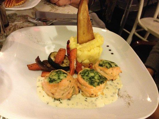 Cemodans: Stuffed salmon