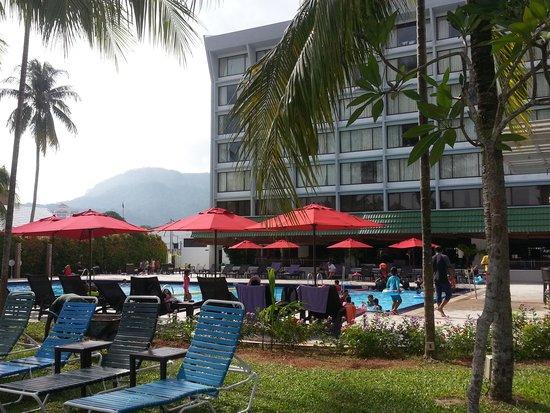 Holiday Inn Resort Penang : Pool area