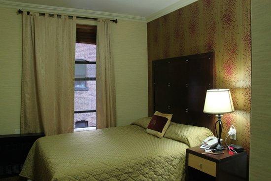 Radio City Apartments: camera