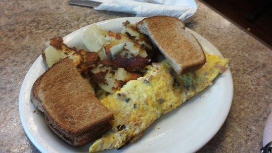 Clary's Country Corner Restaurant : Meat lover's omelet