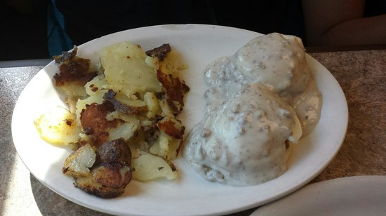 Clary's Country Corner Restaurant: Eggs benedict