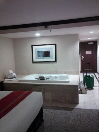 Ameristar Casino Hotel Council Bluffs: Whirlpool
