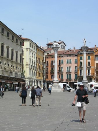 Piazza dei Signori: Beautiful Buildings