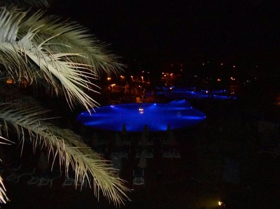 Viva Can Picafort: Night view from our balcony