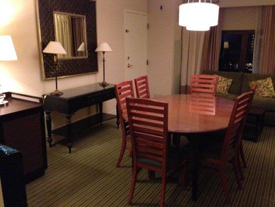 Hilton Orlando Lake Buena Vista - Disney Springs™ Area: Nice dining area