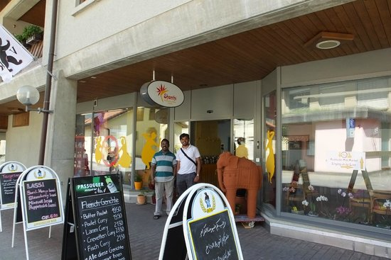 Shanthi: Shanti restaurant Exterior
